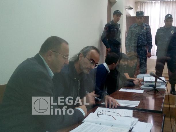 Ներսես Պողոսյանին բանտում սպառնացել և հայհոյել են. լարված իրավիճակ Սեֆիլյանի և մյուսների գործով դատական նիստին